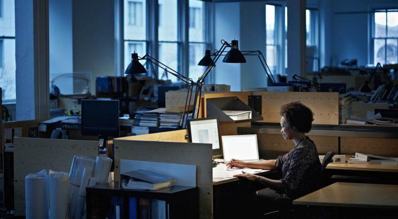Horas extras noturnas para bancários: como reaver seus direitos